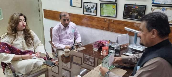 """Mrs. Rafia Javed, Registrar and Mr. Akhlaq Ahmed, Monitoring Officer, Directorate on Inspection & on the complaints of parents visited White Rose School situated in Lyari, Karachi today i.e. 29-06-2021 and met with Mrs. Najma, Principal of White Rose School. During the visit complainants/ parents were also called and issues have amicably been resolved. The Principals of schools showed generosity and extended their full cooperation in resolving the issues.   Committee inspected entire building of White Rose School and pleased to observe that building was neat and cleaning with hygienic environment. SOPs of COVID-19 were being fully implemented, the children were wearing masks and social distancing among the students was also maintained. The school is providing free computer training to the children of poor locality of Lyari in the evening. Committee during the visit also met with Mr. Abdul Basit a student of White Road School and secured one out of ten positions in the competition of """"Motivational Speaker"""" held at Pakistan level.  The Principal of White Rose School informed the committee that Mr. Yar Jan Baloch who is Space Scientist was a student of her school belongs to village Bulida situated in Turbat, Balochistan. He intends to open a quality school in his village. He sent a two members team to White Rose School from aboard to be trained how school is established and run."""